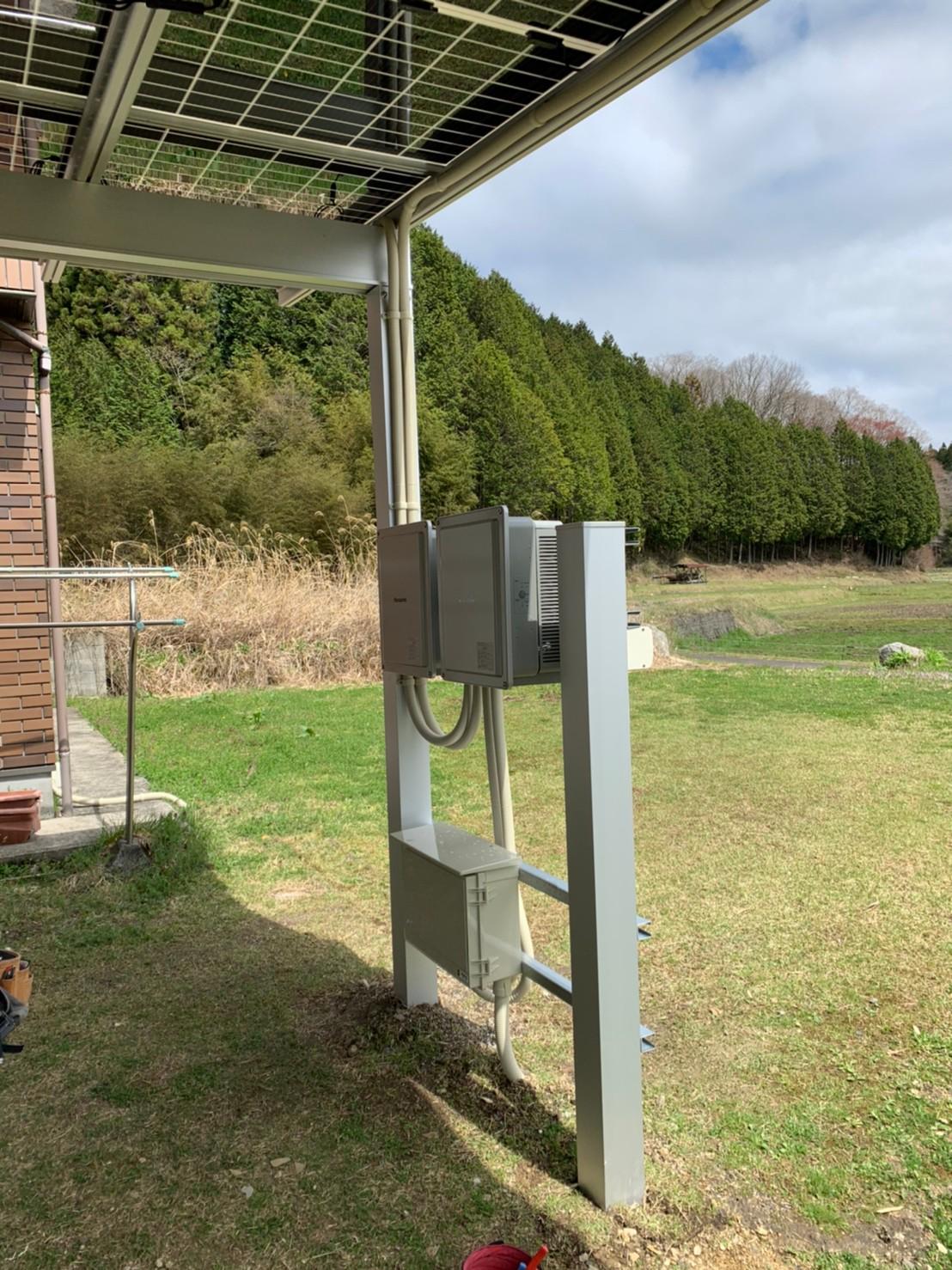 岐阜県多治見市の電力事業株式会社エネファントの太陽光パネル付きカーポート無料設置柱設置方式イメージ